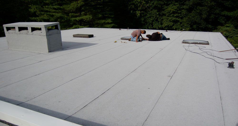 Silver Coating Or Aluminum Asphalt Paint Protect Roofs