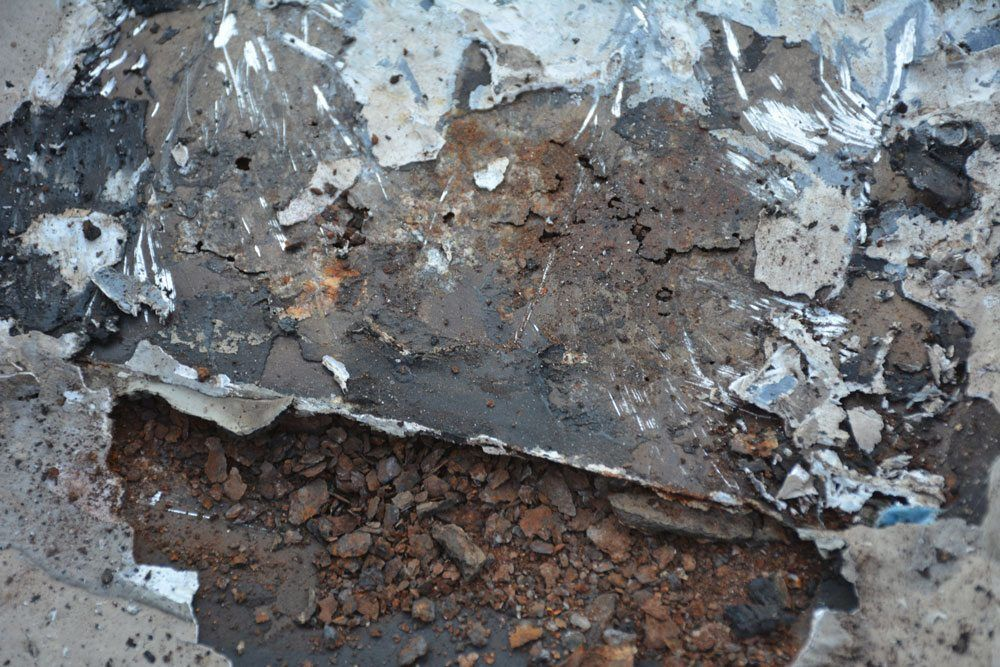 Metal Roof Gone Bad - peeling back silicone reveals the problems
